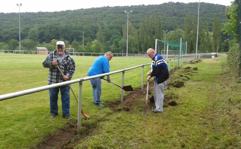 Rasenplatzsanierung in Niederkirchen hat begonnen